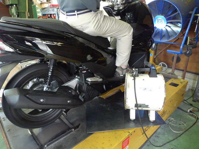 "2014NEW PCX125  PURE SPORT ""SILENT VERSION"" ゴールドエンブレム"